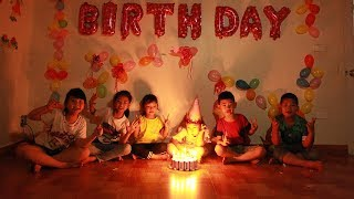 Kids Go To School | Chuns And Best Friends Learn Names Of Fruits Eat Birthday Cake In Class