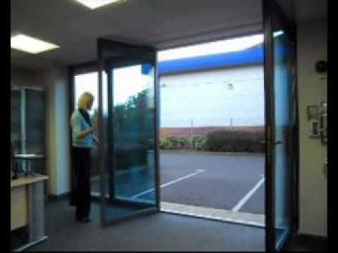 Operating bi-folding / folding sliding doors (4 panel, 3 left & 1 ...