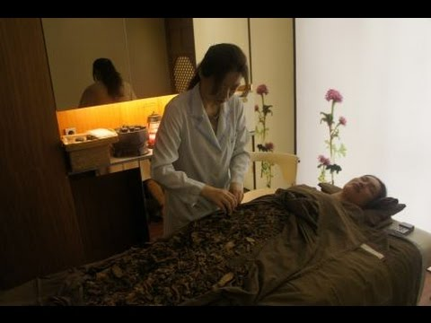 Best spa in Seoul |  Amber Chia received traditional korean medicine spa treatment