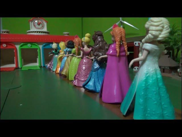 엘사공주 10명 디즈니 공주 미니 하우스 들어가기 Elsa 10 Disney Princess enter mini house