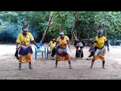 Традиционное национальное шоу коренных народов Танзании (г. Дар-Эс-Салам)