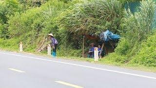 Lạng Sơn: Người dân căng lều nhặt tiền trên QL1 kiếm ngày vài trăm ngàn