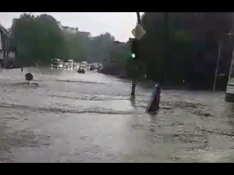 Heftiges Video zeigt Unwetter: Ausnahmezustand: So wurden Hamburgs Straßen überflutet