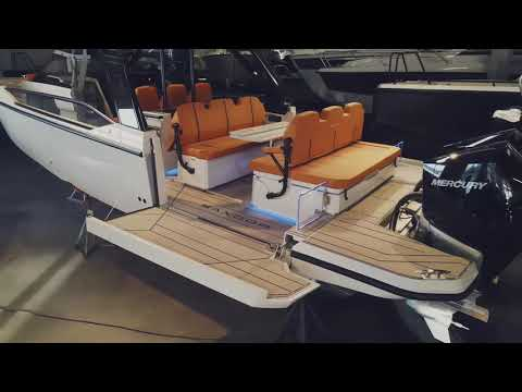 Saxdor 320 GTO in Sweden - Tangerine and Satin White colors