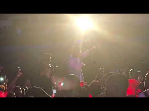 "KiDi Performs At ""MAYORKUN LIVE —The Abuja Concert"
