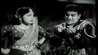 Nadodi Mannan Full Movie Part 5