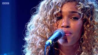 Izzy Bizu - Mad Behaviour (Later... with Jools Holland)