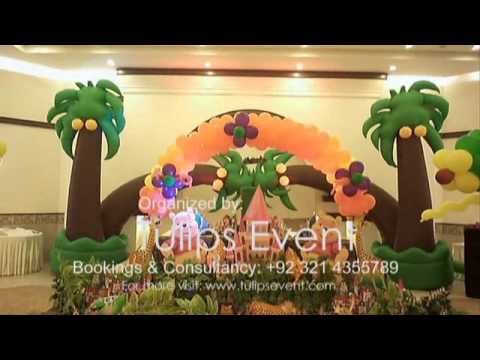 Winnie the pooh birthday party theme planning balloon for Balloon decoration ideas youtube