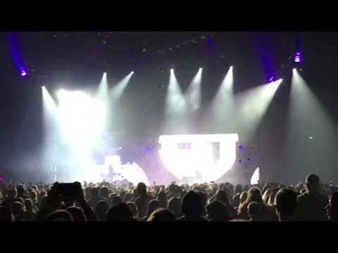 Twenty One Pilots - Hometown LIVE (Emotional Roadshow Tour 2017 Albany NY)