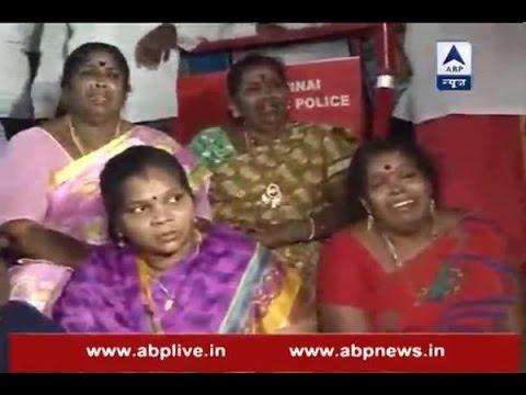 Tamil Nadu CM Jayalalithaa suffers cardiac arrest; Supporters break down