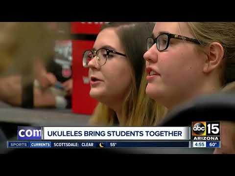 Ukelele program helping students in Peoria