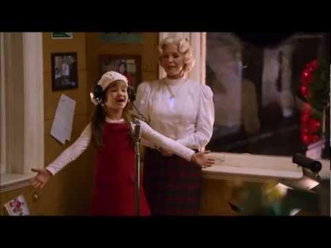 Kaitlyn Maher singing in Santa Paws 2: The Santa Pups