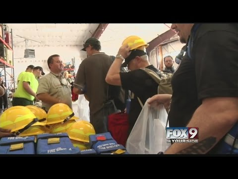 Firefighters from down under assist US crews