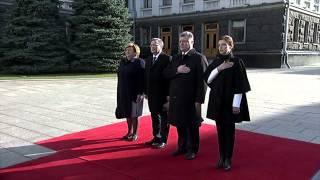 Порошенко с женой встретили президента Польши