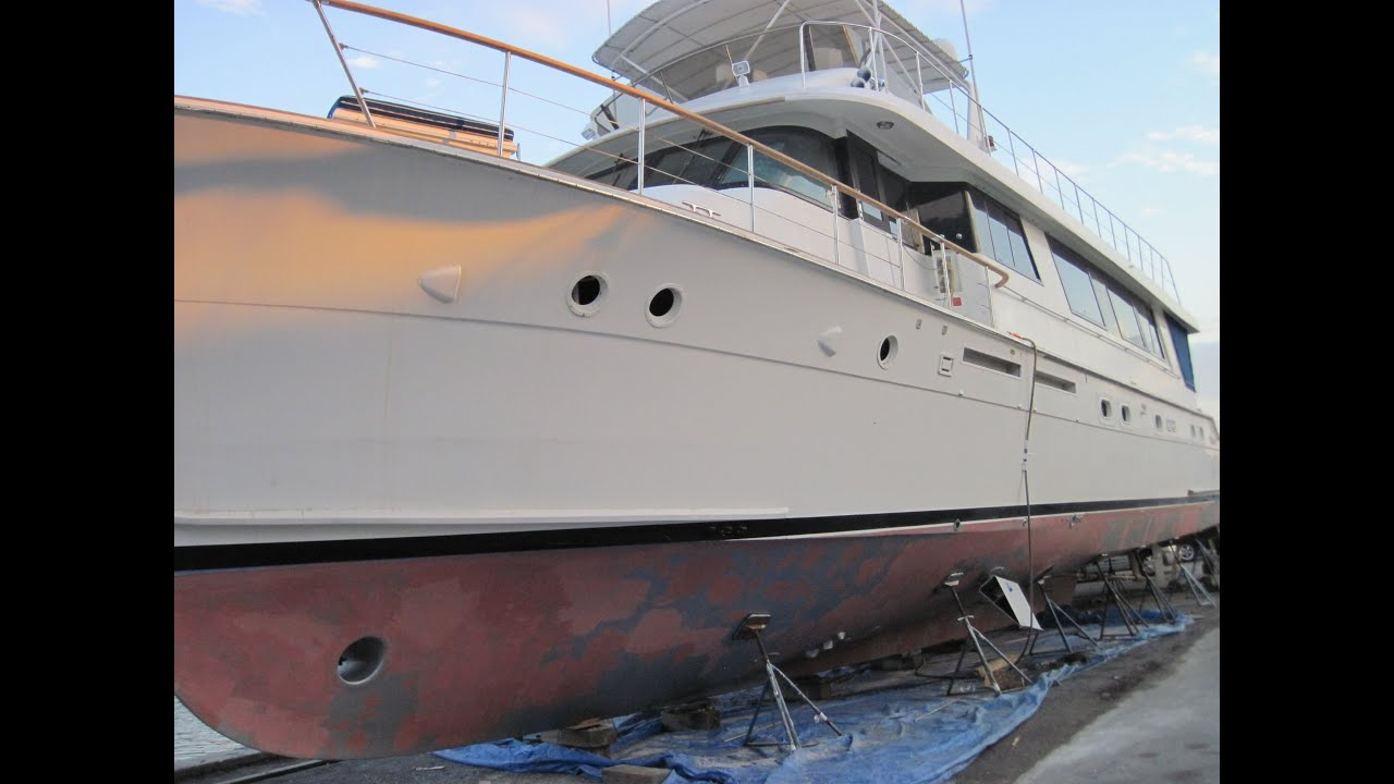Video Walk Through Of A 1985 Hatteras 72 Motor Yacht
