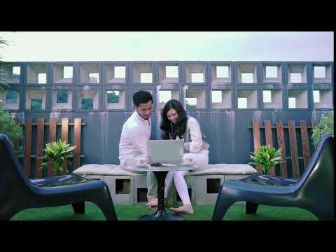 Ayda Jebat & Redza Rosli Dating Dekat Taman