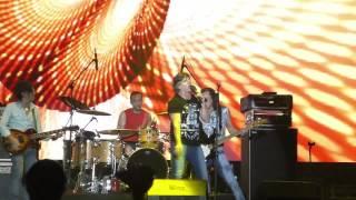Vilma Palma e Vampiros Verano Traidor en Lima Peru 2015 Vivo X el Rock 2015