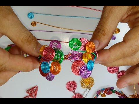 eb96c480ca52 Como hacer una Pulsera de alambre de colores trenzada - YouTube
