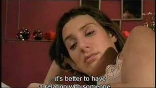 En La Cama - Movie Clip - We Better Leave