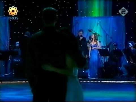 Jamie Salé & David Pelletier skate to Andrea Bocelli & Hayley Westenra - Vivo Per Lei (Dutch TV)