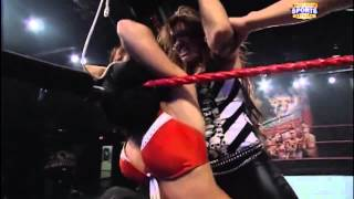 Raquel Diaz vs Audrey Marie.   FCW