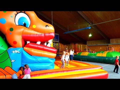 Парк Развлечений или большой надувной батут и лабиринт