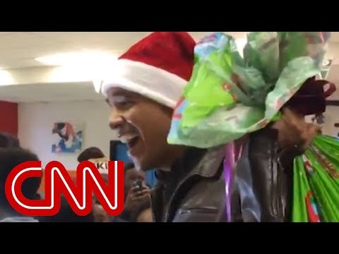 Obama Surprises Kids In Santa Hat