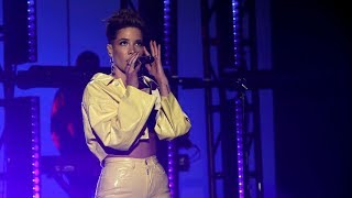 Halsey - Without Me | Live At The Ellen DeGeneres Show