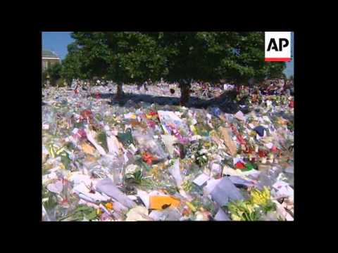 UK: FLORAL TRIBUTES TO PRINCESS DIANA CONTINUE TO ARRIVE