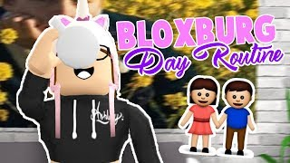 MY BF DOES MY VOICEOVER! (My Day Routine in Roblox Bloxburg) Roblox Roleplay