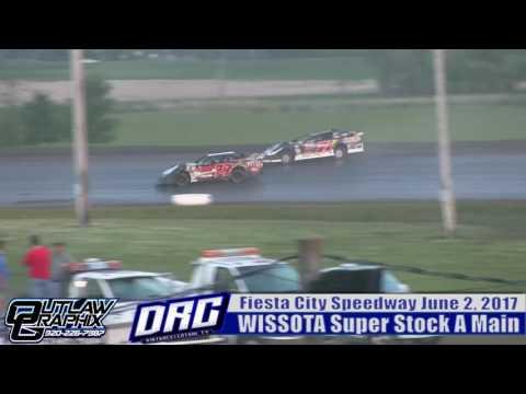 Fiesta City Speedway 6/2/17 WISSOTA Super Stock Feature Final Laps