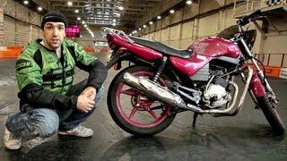 Stunt Riding Yamaha YBR 125