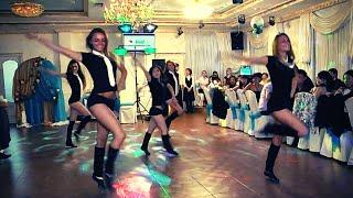 Подарок молодым танец  сестрёнки . Свадьба в Омске
