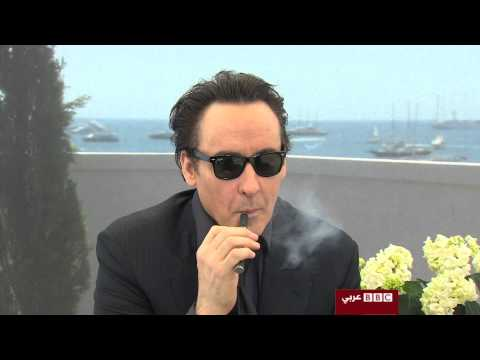 John Cusack mocks Hollywood - Interview