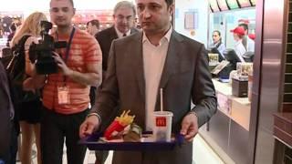 Filat ia pranzul la McDonald's
