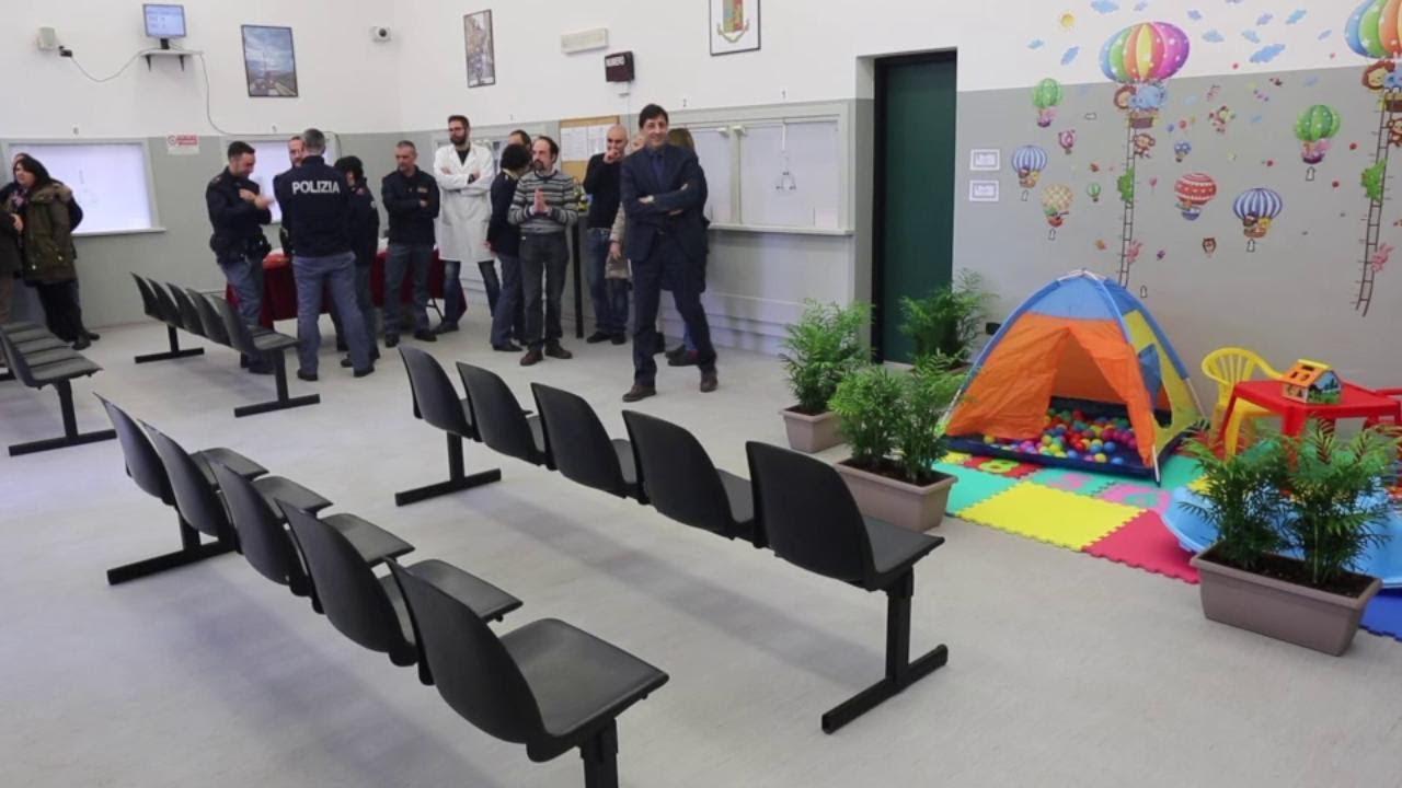 Reggio Emilia, nell\'ufficio immigrazione della questura arrivano i giochi  per bambini