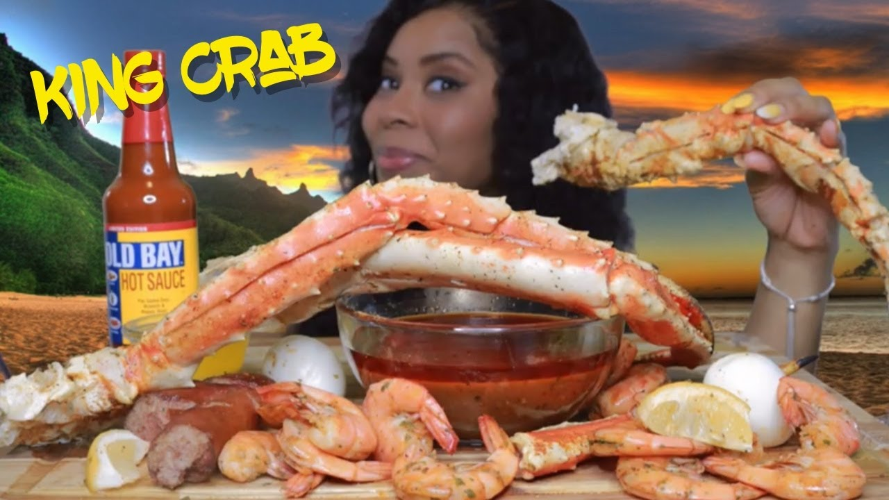 HUGE KING CRAB LEGS WITH E'S SPECIAL SAUCE & OLD BAY LIMITED EDITION HOT SAUCE