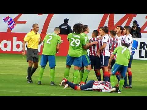 BRONCA Michael Perez vs Clint Dempsey Chivas vs Seattle Sounders 3-0 Concachampions