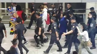 Video 22042017 Running Man Arrival at KLIA, Malaysia download MP3, 3GP, MP4, WEBM, AVI, FLV September 2018
