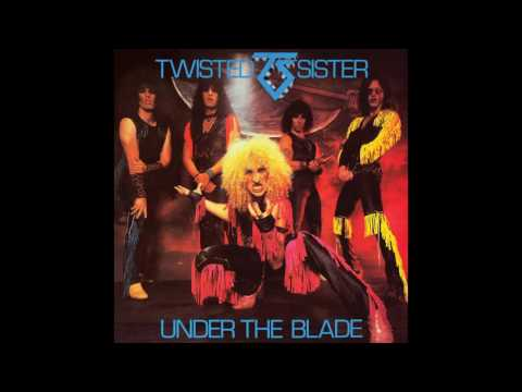 Клип Twisted Sister - Under The Blade