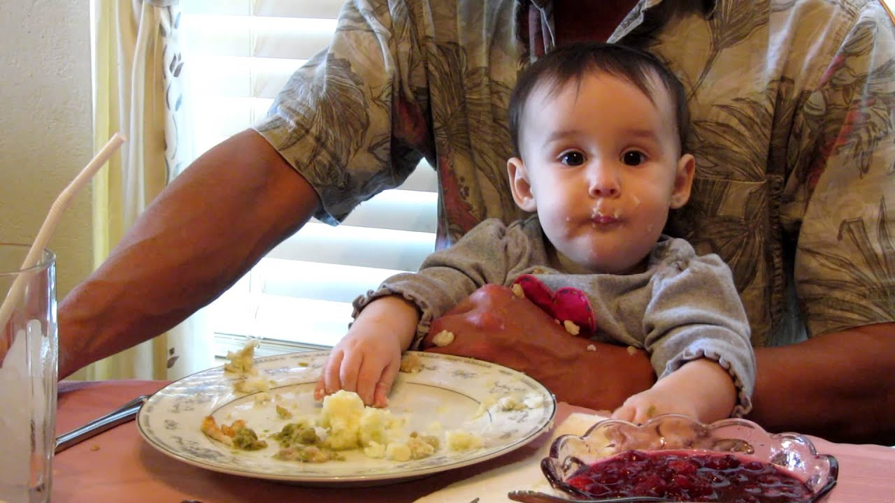 Baby eating at thanksgiving dinner youtube for What to eat on thanksgiving dinner