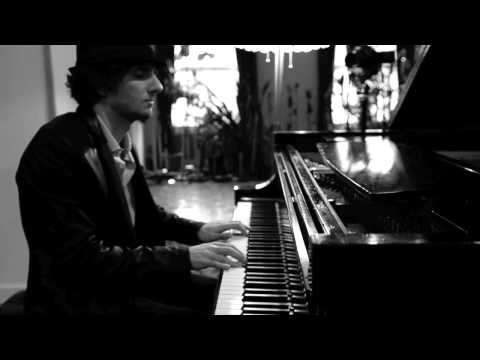 Raffaele Scoccia (aka Moon Rocket) plays Michael Nyman - The Piano (The Heart Asks Pleasure First)