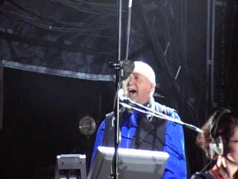 Peter Gabriel - The Book of Love (Live from Womad 2009)