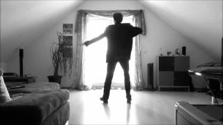 Фантастический танец!!!!Так выглядит музыка , воздух ,ветер ...