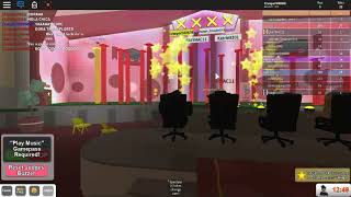Roblox's Got Talent! Dora finishes Red Jumps and gets GOLDEN BUZZER from Simon Cowell! red buzzer on