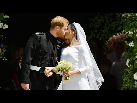 Harry and Meghan's first kiss as husband and wife