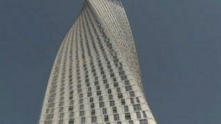 Peresmian Menara Terpelintir Tertinggi Dunia di Dubai