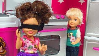 Barbie ve Ailesi Bölüm 116 - Gizli Gizli Körebe - Çizgi film tadında Barbie oyunları