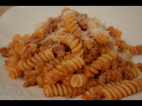 receita-saborosa-de-fusilli-com-ragú-de-carne-:-receita-italiana
