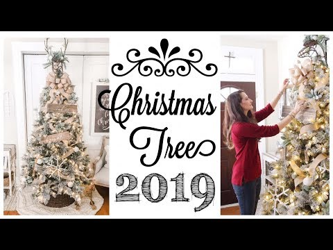 Farmhouse Christmas Tree | DECORATE WITH ME!